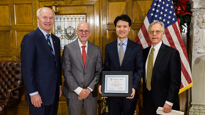 Justin Zhan & Governor Hutchinson